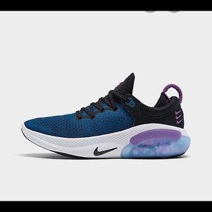 Nike fly knit joyride